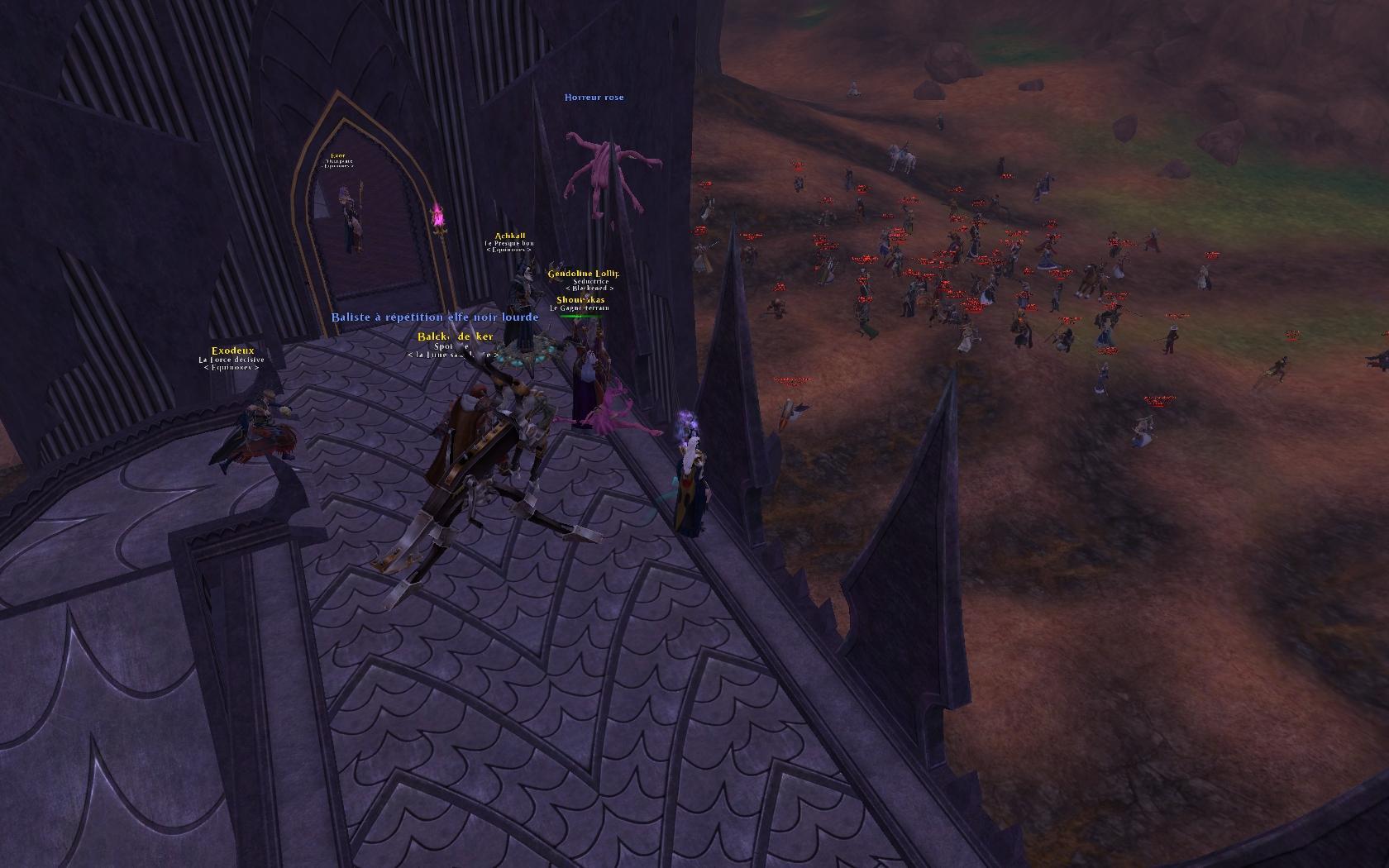 L'Ordre arrive à la forteresse